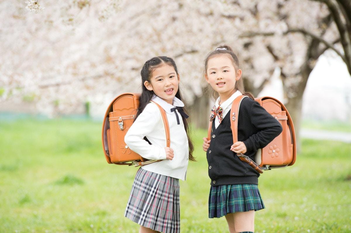 4cee4e0e22154 卒園式や入学式で着せたい!女の子に人気のスーツを徹底攻略♡  ママリ
