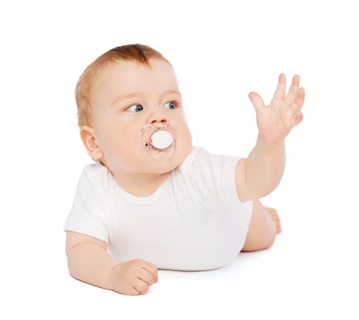 3b6703541b583 生後6ヶ月の赤ちゃんの特徴とは?身長と体重や授乳との関係、ママの体験談など  ママリ