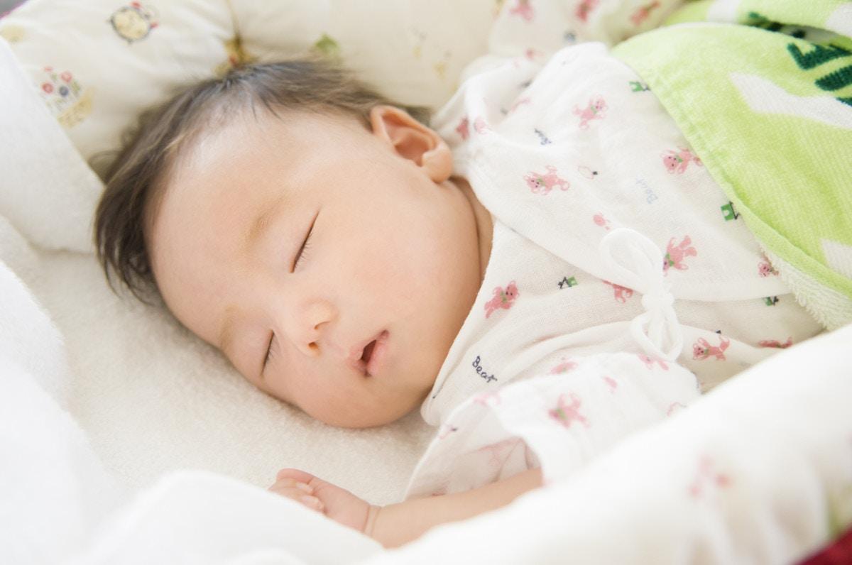 赤ちゃん 時間 睡眠 ヶ月 4 生後4・5・6ヶ月の赤ちゃんの睡眠時間を教えて! [ママリ]