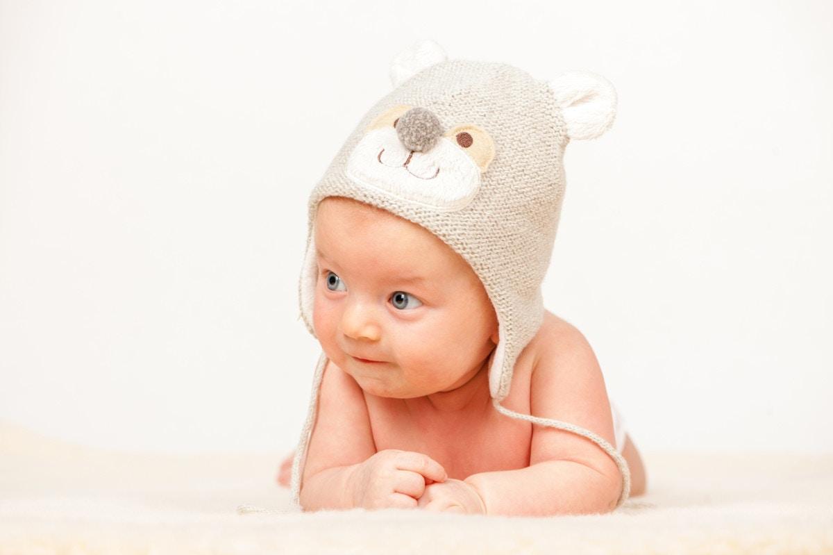 35674d8bba294 最高のかわいさ。今年は耳つき帽子で赤ちゃんと秋を楽しもう!  ママリ