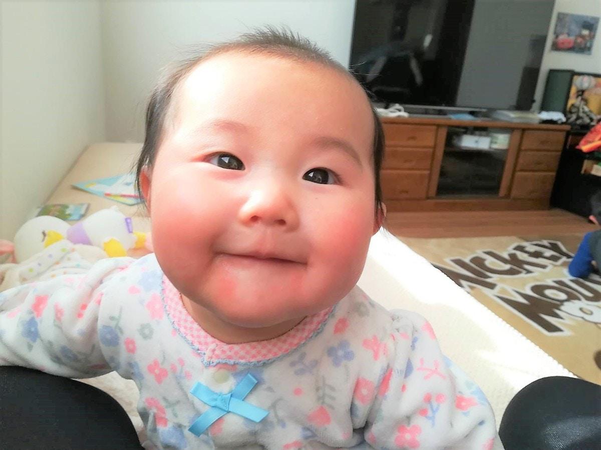 パパへの人見知りに対策はある 生後4 5ヶ月の成長とお世話 ママリ