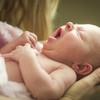 新生児月経・新生児帯下とは?女の子の赤ちゃんに生理やおりもの?原因、症状、対処法まとめ
