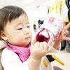 赤ちゃんもご機嫌!ベビーカーに取り付けられる便利グッズ10選
