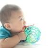 生後5ヶ月・6ヶ月の赤ちゃんの特徴とは?身長と体重や、足をつかむ動作や寝返りなど
