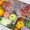 ボックスやソースボトル…100均グッズを使った「冷蔵庫収納」のアイデア9選