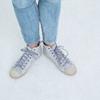 スニーカーの脱ぎ履きが劇的に楽になると話題!セリアの伸びる靴紐の魅力をたっぷりご紹介♡