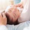 夜間断乳やパパのおんぶがきっかけで卒乳!先輩ママが実践した卒乳方法