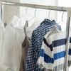扇風機などを使って早く乾かす!部屋干し衣類の雑菌臭を防ぐ方法