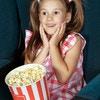 子供の映画デビューはいつからが良い?先輩ママの体験談を紹介します