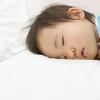 安心してぐっすり、寝る前の数分で愛情たっぷりスキンシップ