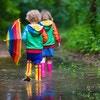 雨のおでかけも楽しく快適に!キッズ用の傘&レインブーツ・レインシューズ