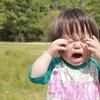 イヤイヤ期まっただ中。魔の2歳児、この時期の特徴とトラブル対処法