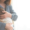 【医療監修】授乳時に乳首が痛くなる原因とは?痛みを感じたときの対処法
