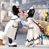 「ディズニー・クリスマス」開催中! スペシャルパレードや限定グッズ、メニューがすごい!