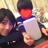 やさしいまなざしが印象的!「ゆうこりん」こと小倉優子さんの子育てのようすを紹介