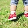 1歳2ヶ月を過ぎたけれど、まだ歩かないわが子…いつ歩けるようになるの?