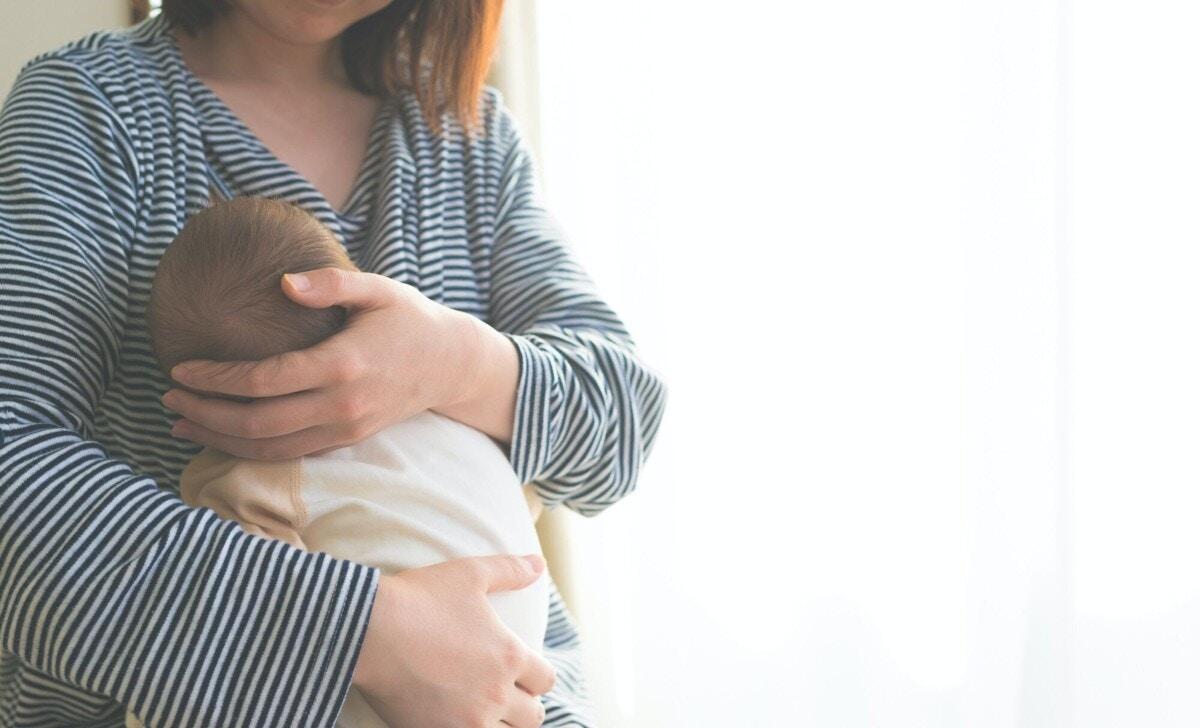 赤ちゃん  授乳