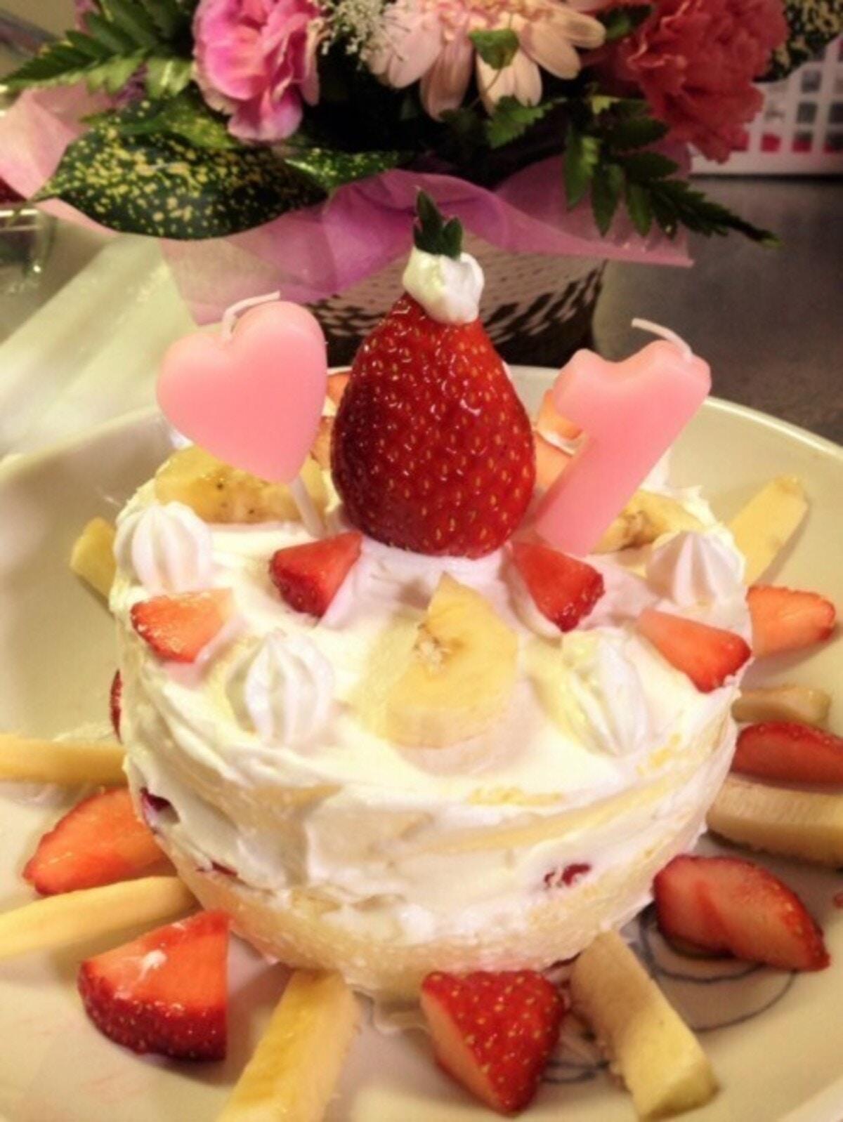 市販のケーキセットを使用した1歳お誕生日ケーキ