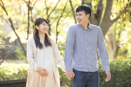 妊婦 夫婦 日本人