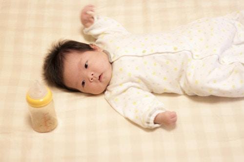 哺乳瓶 赤ちゃん