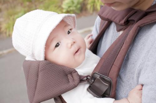 赤ちゃん お出かけ ママ