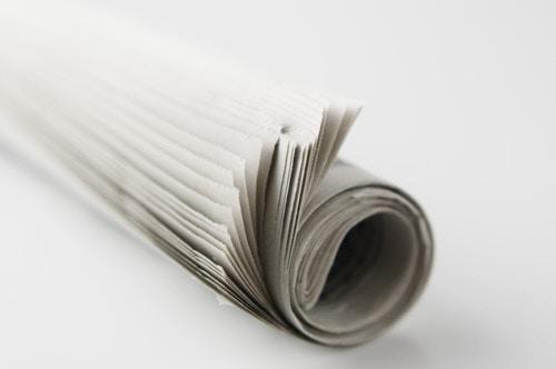 丸めた新聞紙