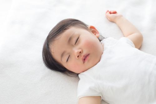 赤ちゃん お昼寝