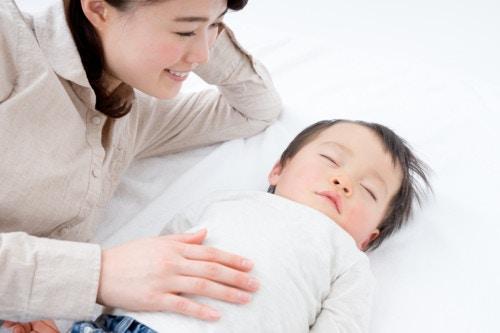 家族 笑顔 日本人