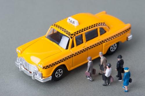 タクシー 女性