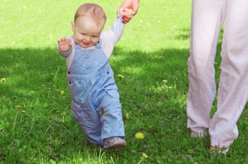 赤ちゃんの散歩