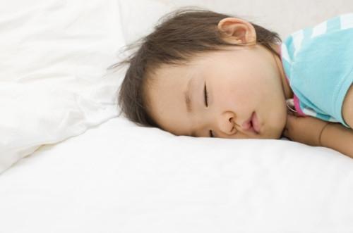 子供 寝る