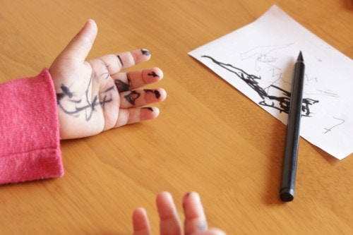 子供 落書き