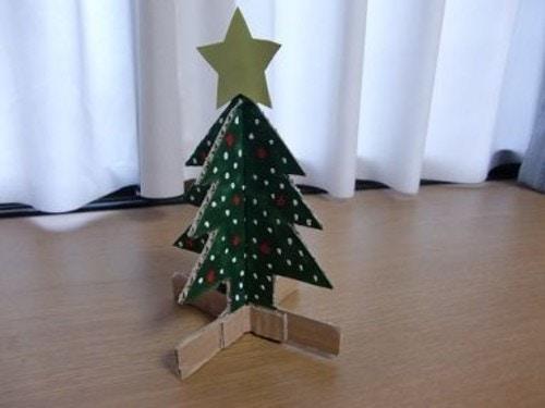 ダンボール クリスマスツリー