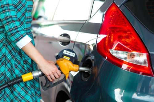 ガソリン 給油