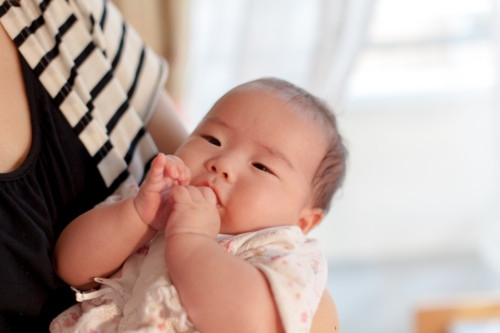 赤ちゃん 抱っこ