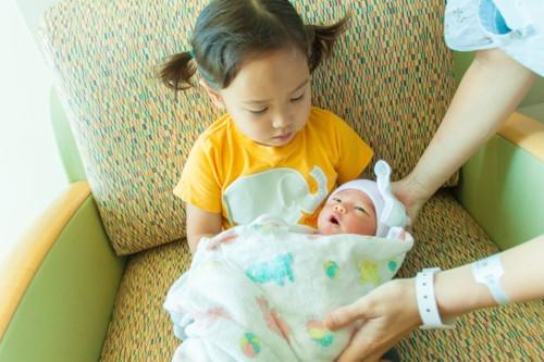姉妹 赤ちゃん