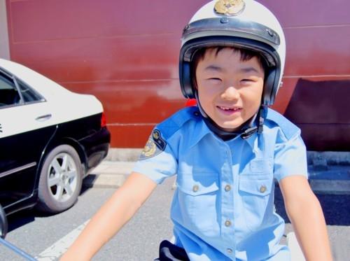 子供 警察官
