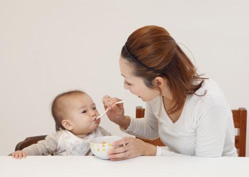 離乳食 食べる