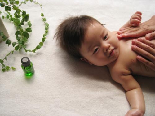 マッサージ 赤ちゃん