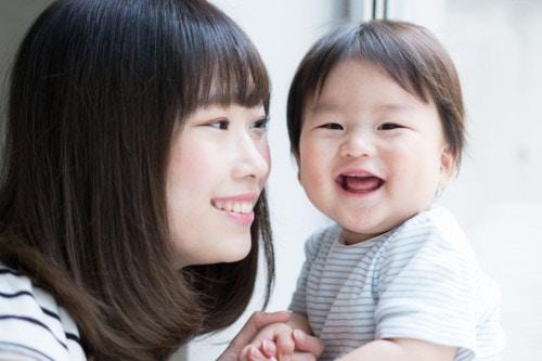 笑う ママ 赤ちゃん