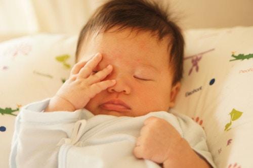 赤ちゃん 眠い