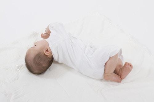 赤ちゃん 日本人 ベッド