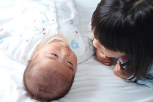 赤ちゃん 兄弟 日本人