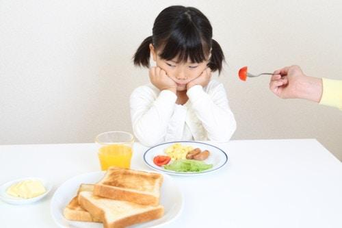 食事 嫌がる 子供