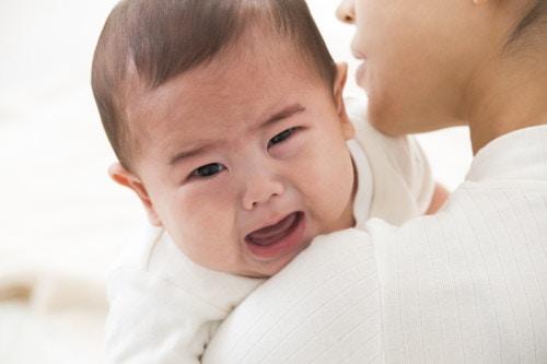 赤ちゃん ぐずる