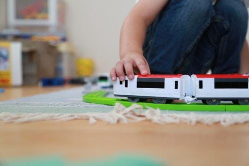 男の子 電車 日本