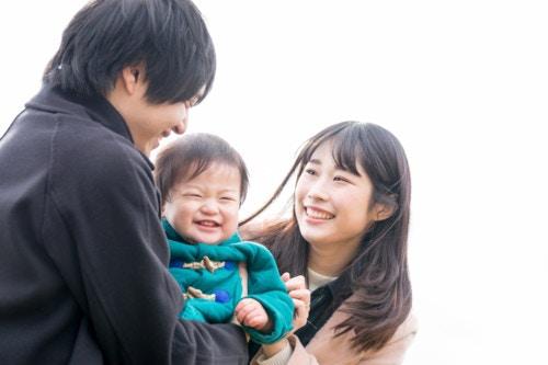 家族 3人 赤ちゃん