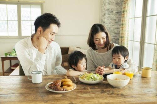 家族 ご飯