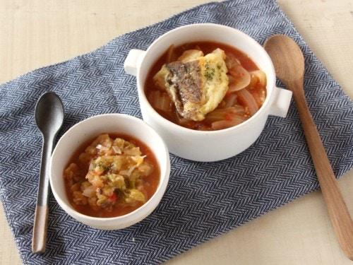 魚とキャベツのトマト煮込み