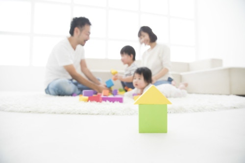 家族 明るい 日本人